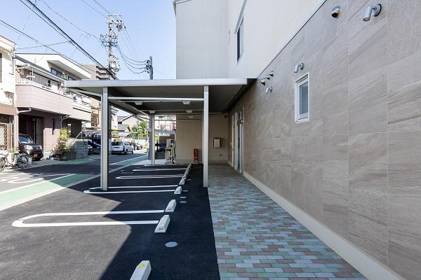 外観2駐車場使 -600×400